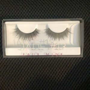 Huda beauty faux mink lashes